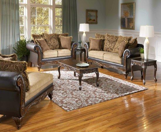 Alore Living Room